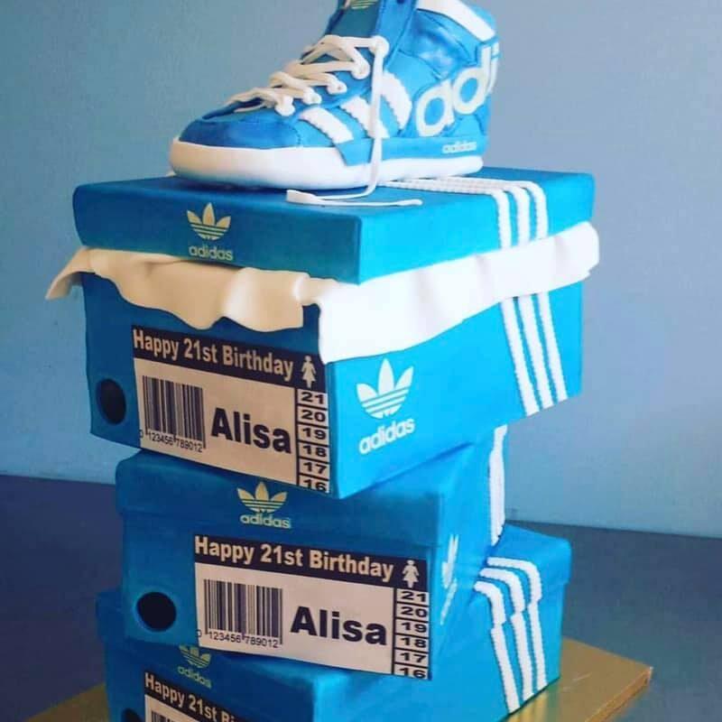 roceels-cake-adidas